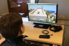 edukaciniai uzsiemimai su kompiuterine Minecraft programa